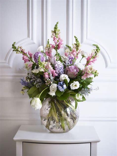 Best 25  Round vase ideas on Pinterest   Decorating with