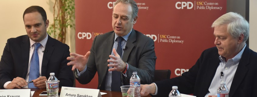 Collaboration · From left, León Krauze, Arturo Sarukhan and moderator Tom Hollihan discuss the implications of the presidential election on the United States' relationship with Mexico Tuesday. - Ziru Ling | Daily Trojan