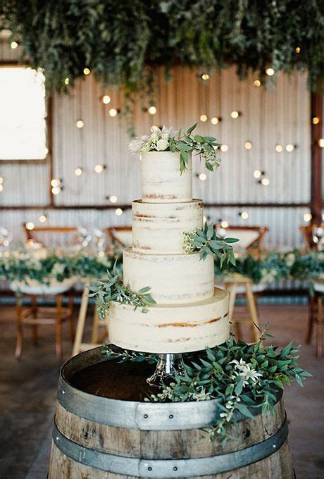 3 Tips And 25 Ways To Display Your Wedding Cake   crazyforus