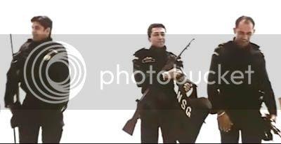 http://img.photobucket.com/albums/v252/BollyNuts/Vaaranam%20Aayiram/60.jpg