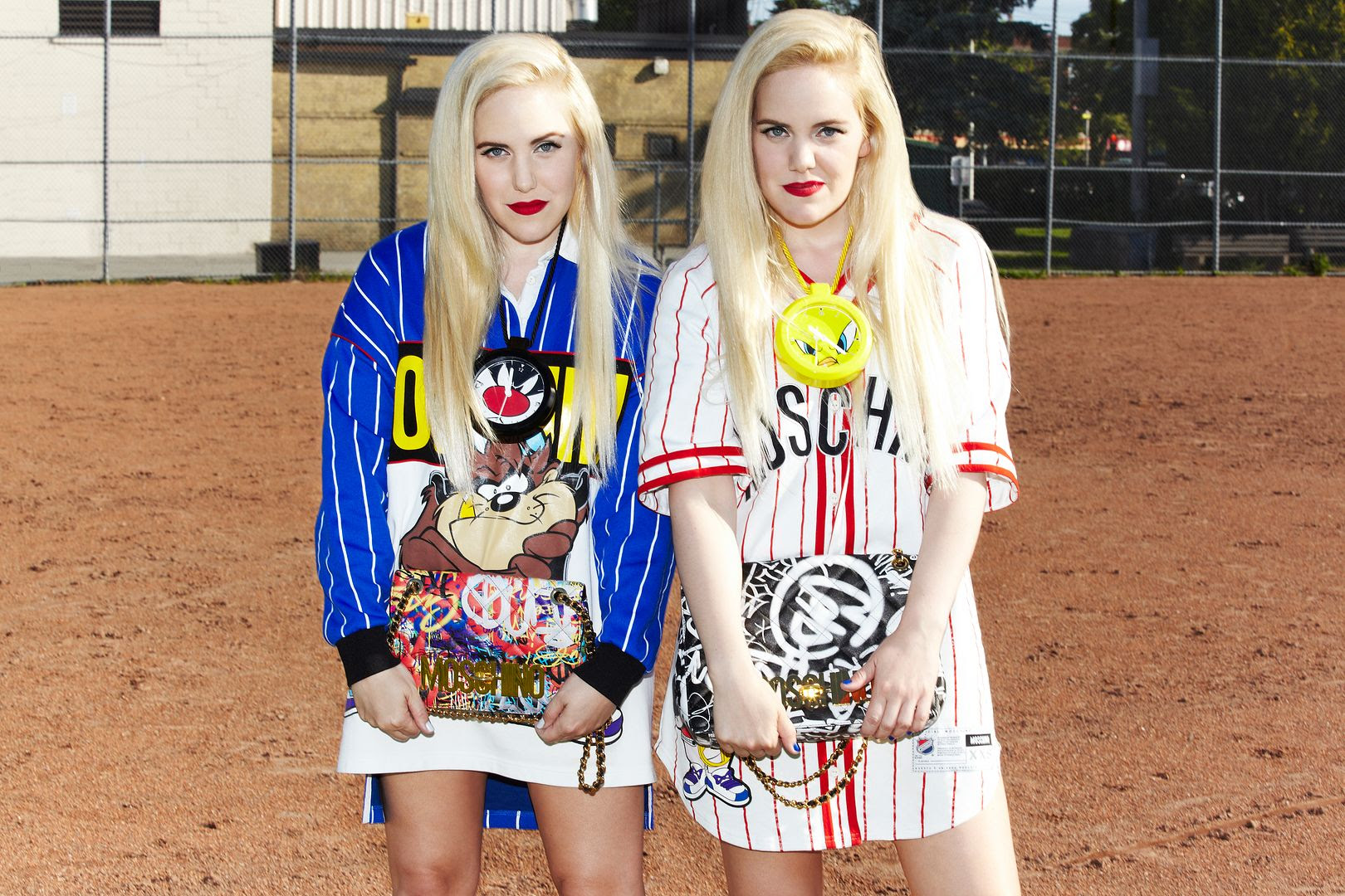 photo Moschino-Fall 15- Beckerman Blog- Cailli and Sam-Looney Tunes-Jeremy Scott- Vogue Japan-6_zpsxjwx5q9p.jpg