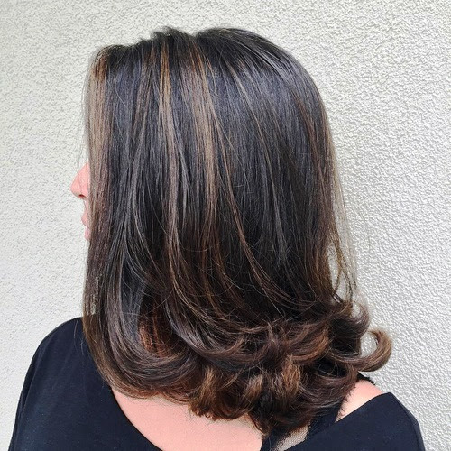 21 Flattering Long Hairstyles for Women Over 50 to Try ...