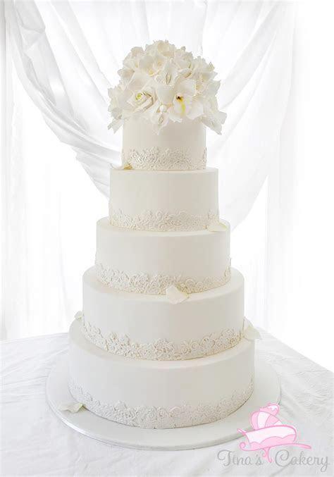 White wedding cake by Igasm on DeviantArt