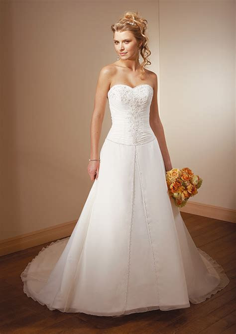 Cheap Wedding Gowns For Sale   Wedding and Bridal Inspiration
