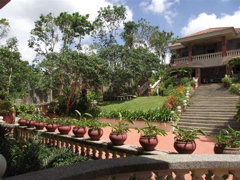 A Garden of Eden   Review of Beatriz' Garden, Tagaytay