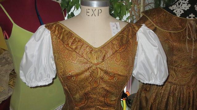 leisel's dress yoke