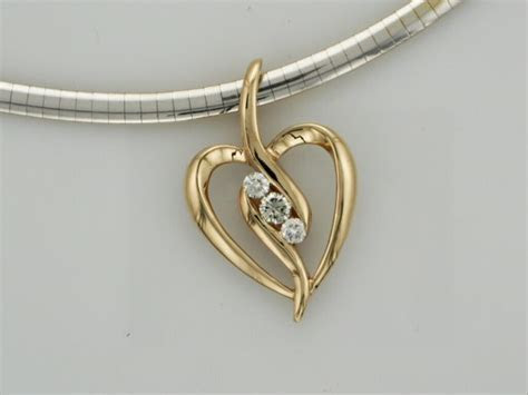 gold heart pendant with diamonds   TamRon Jewelry