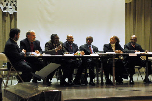 The candidates make their opening statements.