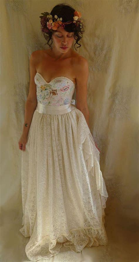 Best 25  Bustier wedding dresses ideas on Pinterest