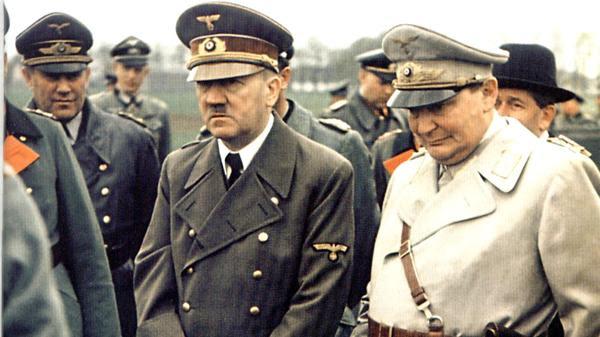 Hermann Göring junto a Adolf Hitler