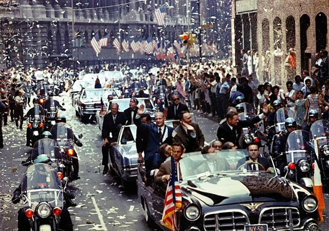 Arquivo: Apollo 11 ticker tape parade 1.jpg