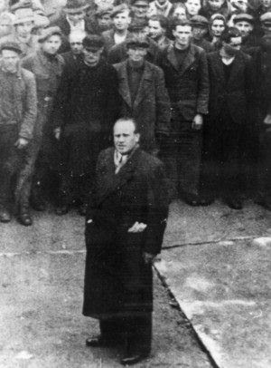 Schindler with his Jewish workers in Emalia