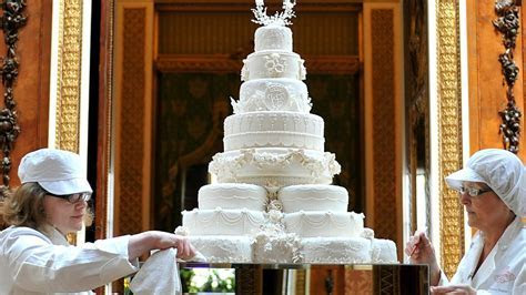 Guests to be served tier of royal wedding cake   ITV News