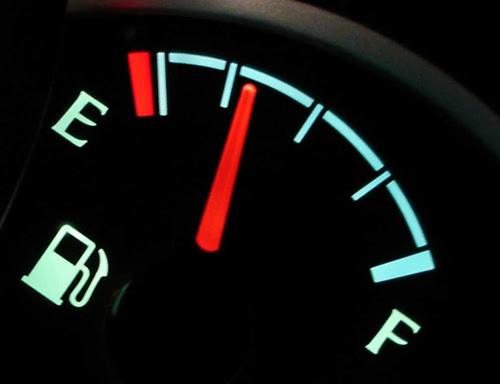 Những thói quen thường xuyên làm hại ô tô