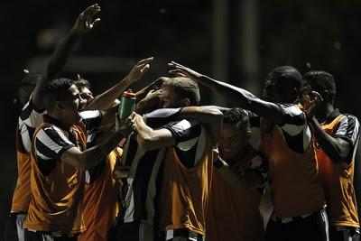 Comemoração Botafogo x Luverdense (Foto: Vitor Silva / SSPress)
