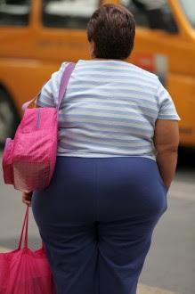 Una mujer con sobrepeso en la Ciudad de México. Foto: Miguel Dimayuga