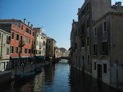 DSCN2036 _ Entrance to Il ghetto di Vecchio, Venezia, 14 October.JPG