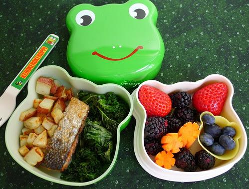 Salmon, Tots and Kale Bento by sherimiya ♥