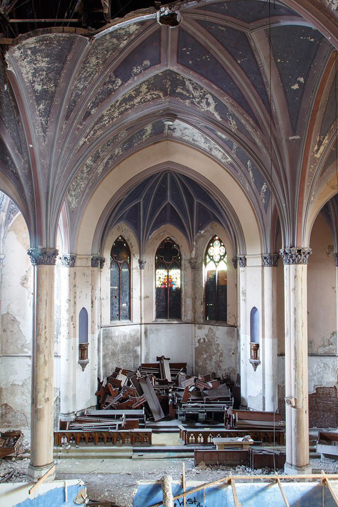Saint Apocalypse Church © 2014 sublunar