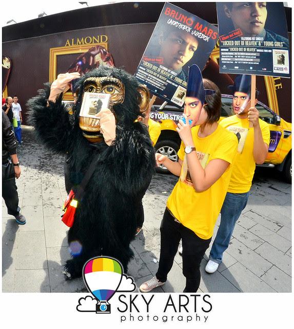 Bruno Mars Unorthodox Jukebox Album Launch Flashmob @ Pavilion KL 2012 [Christmas Decoration]