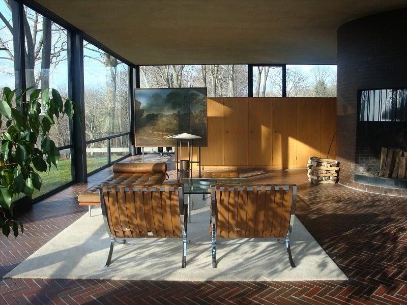 Visually Stunning Homes Designed by Philip Johnson