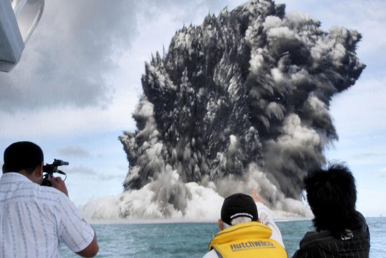 undersea-volcano-tonga