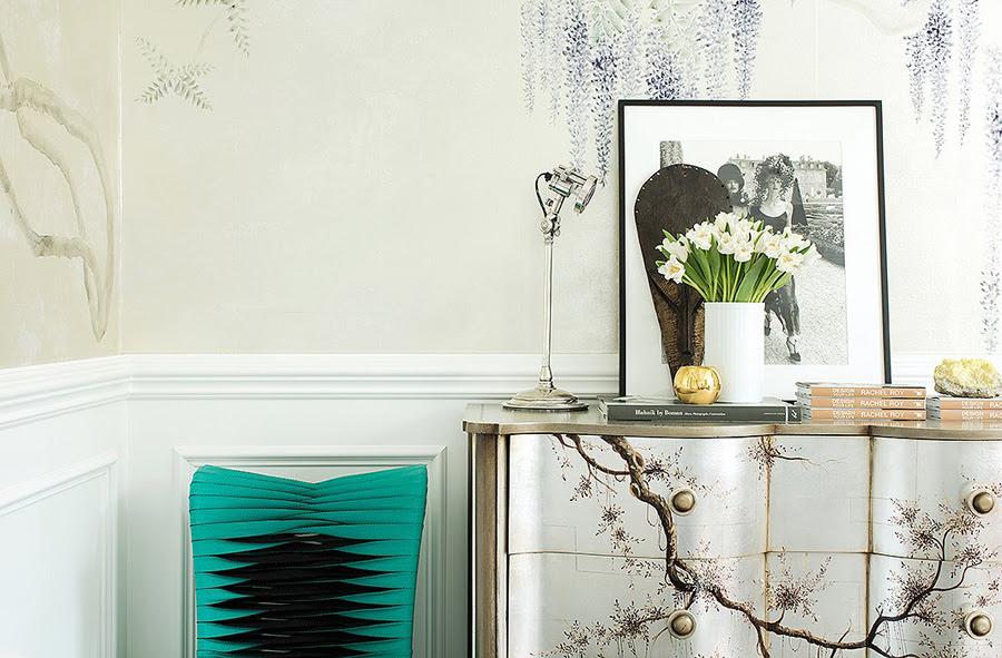 Rachel Roy home office OKL photo by Joe Schmelzer de Gournay wallpaper handpainted chest seatbelt chair