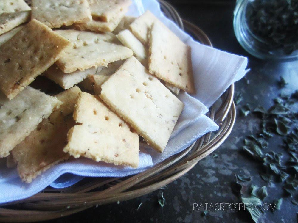 http://raiasrecipes.com/wp-content/uploads/2014/09/cracker-4.jpg