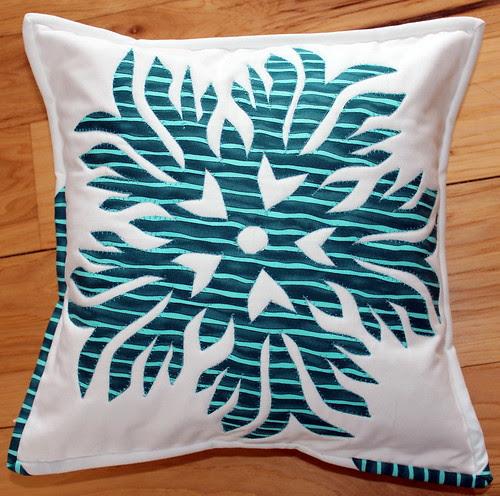 Kiragami Flake Pillow