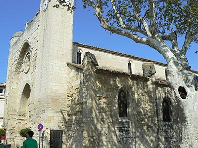 eglise aigues mortes.jpg