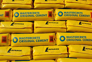 English: 25 kg bags of Blue Circle/Lafarge cement