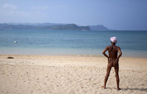 O japonês Masafumi Nagasaki em sua ilha (Foto: Reuters)