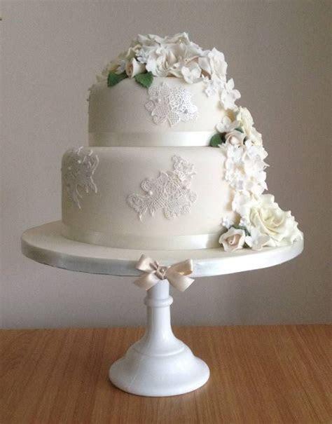 Two tier white wedding cake   2 Tier Wedding Cakes