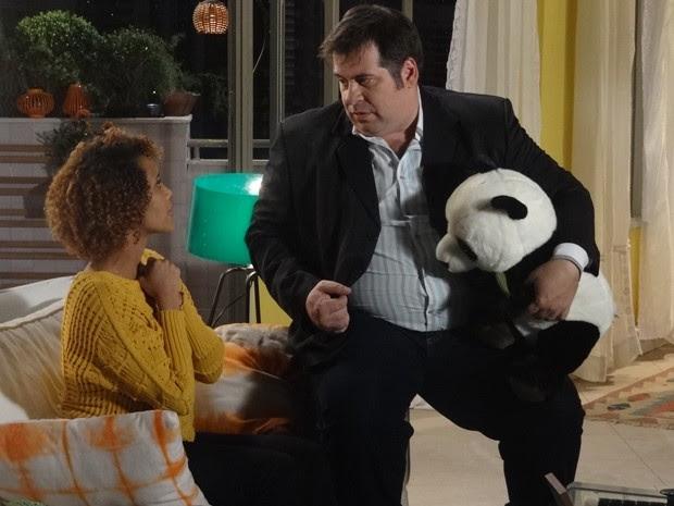 Emocionada, Verônica explica a Barata que não pode mentir que ele é o pai (Foto: Geração Brasil/TV Globo)