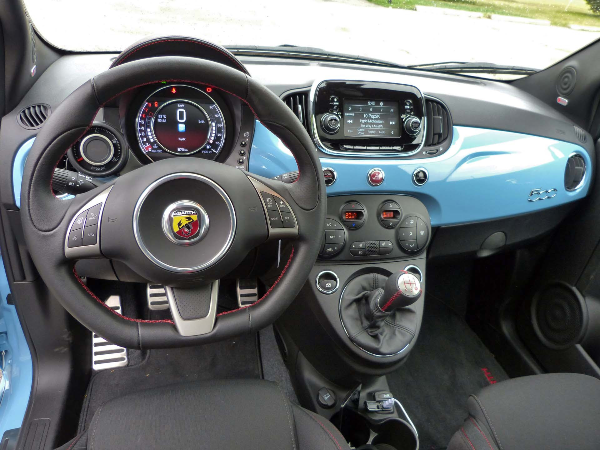 2012 fiat 500 abarth specs price and pictures at 2011 la fiat abarth galleries. Black Bedroom Furniture Sets. Home Design Ideas