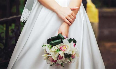 5 ways to reduce wedding costs for yourself and your