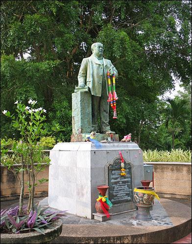 Statue of Korsimbi Na Ranong