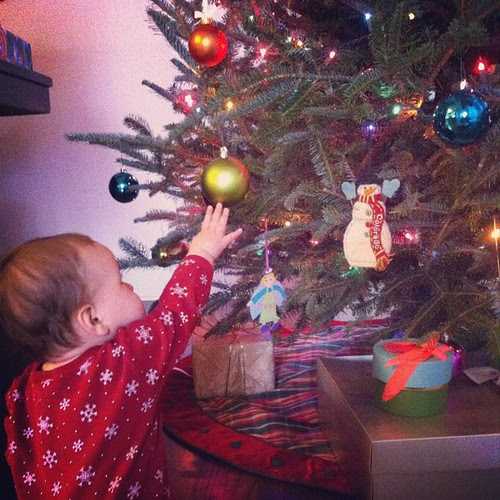Yes, more gratuitous child & tree shots