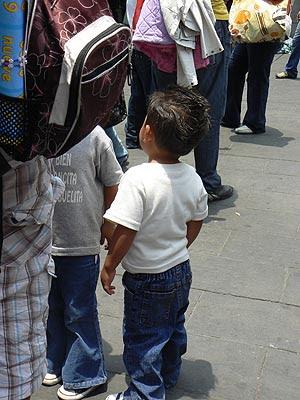 petit garçon dans le vieux mexico.jpg