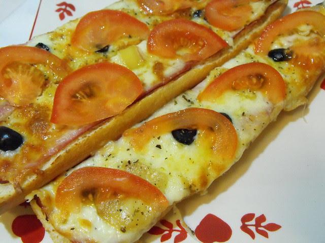 Baguette francesa com três queijos