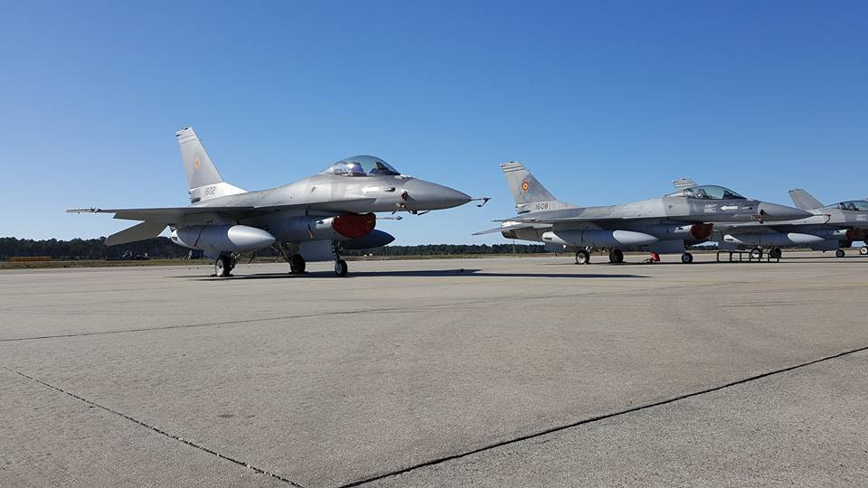 Romania officially takes over its first F16 fighters ...
