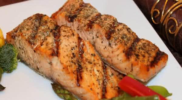 salmao um dos alimentos ricos em proteinas