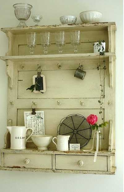 ideas_reciclar_decorar_puerta_antigua_13