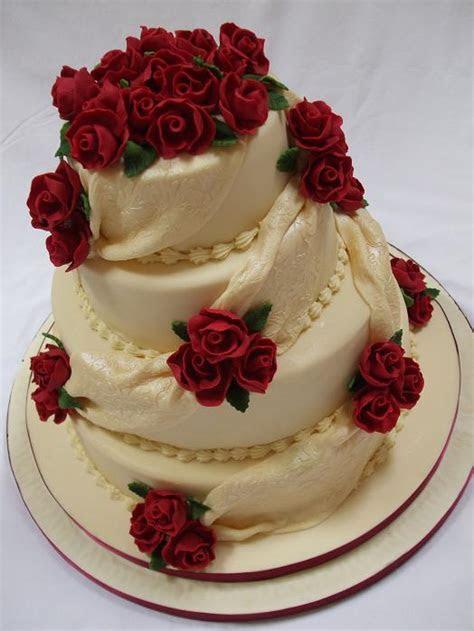 Novelty Cakes   Stunning Wedding and Celebration cakes