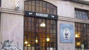 Em Lisboa, ativistas invadem barbearia onde cães podem entrar, mas mulheres não