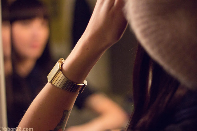 girl with the vintage watch in the mirror