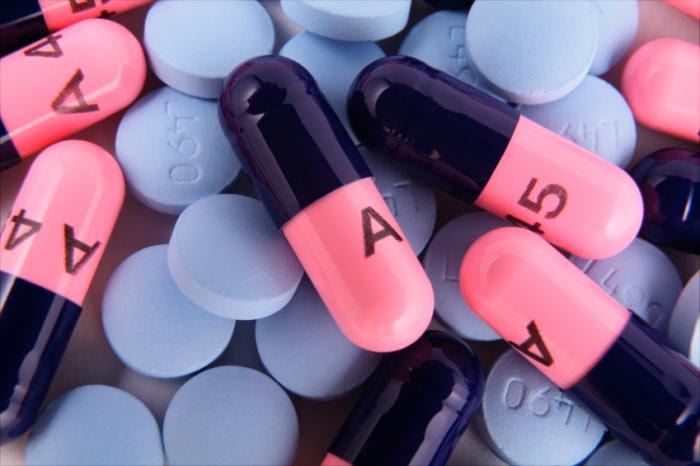 Amoxicillin capsules.