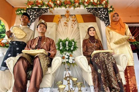 Malay Wedding Ceremony jigsaw puzzle in People puzzles on