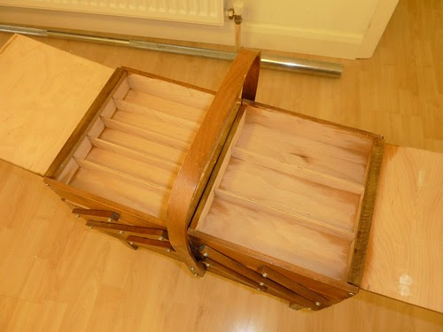 06 - Vintage 4-Tier Cantilever Wooden Sewing Box, Inside the top tier