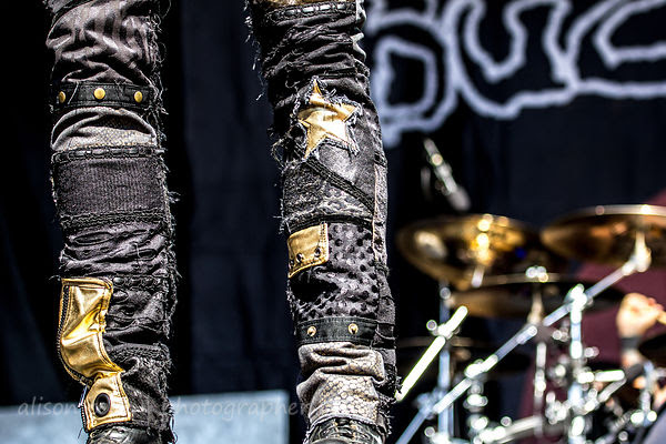 Josh Todd's pants, Buckcherry, Aftershock 2014
